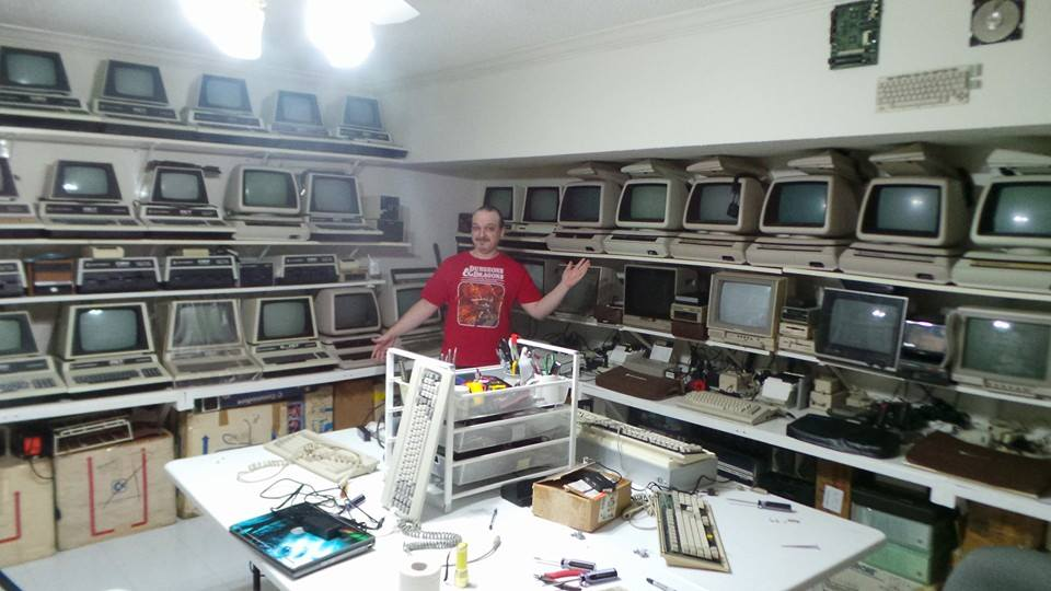 Commodore Collection Gallery : Here be Commodore Computers. Be in Awe.